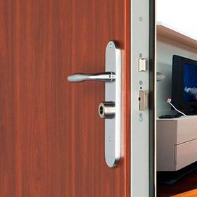 Puertas acorazadas pointfort fichet for Puertas para pisos